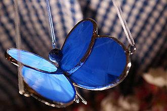 Dekorácie - Motýľ tiffany v kráľovskej modrej - 11354450_