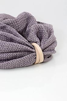 Šály - Fialovoružový jemný ľanový nákrčník s koženým remienkom - 11356471_