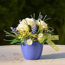 Dekorácie - Malá modrá ikebana na stôl - 11355619_