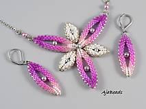Náhrdelníky - Hviezdica - náhrdelník - ružová-biela-strieborná - 11357658_