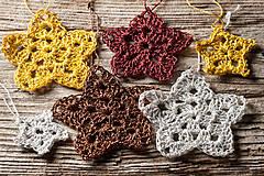 Dekorácie - Vianočné hviezdičky háčkované farebné - 11359155_
