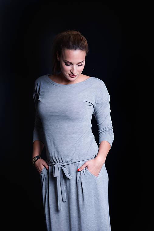 Šaty - Dlhé šaty s opaskom - 11359019_
