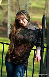 Tričká - Dámske šité tričko maľované, batikované TECH - 11359714_