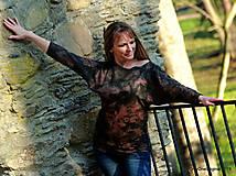 Tričká - Dámske šité tričko maľované, batikované TECH - 11359736_