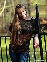 Tričká - Dámske šité tričko maľované, batikované TECH - 11359738_