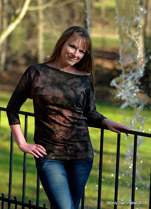 Dámske šité tričko maľované, batikované TECH