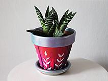 Nádoby - Terakotový kvetináč - Ligot fialkovej - 11362762_
