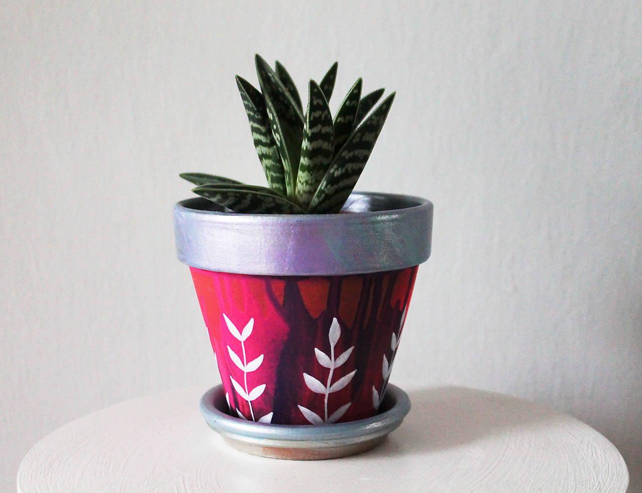 Terakotový kvetináč - Ligot fialkovej