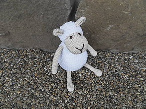 Hračky - Milá háčkovaná ovečka biela - väčšia - 30cm - 11361439_