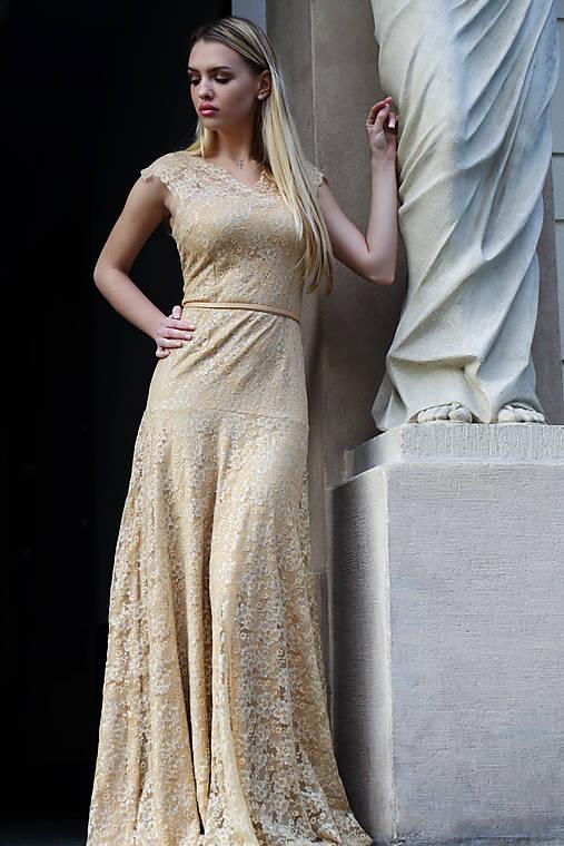 Večerné šaty Zlatá čipka