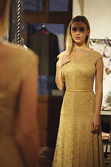 Šaty - Večerné šaty Zlatá čipka - 11365818_