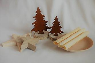 Dekorácie - Stromček - veľký na drevenom podstavci - 11365556_