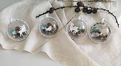 Dekorácie - Vianočné gule 4 ks mentolovo biele - 11363743_