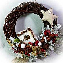 Dekorácie - Vánoční věnec - Zasněžená budka - 11363163_