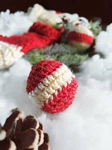 Dekorácie - Vianočné pletené ozdoby - 11363889_