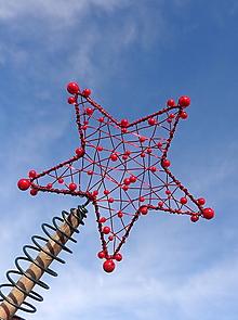 Dekorácie - hviezdny prach...špic na stromček  (červený) - 11367370_