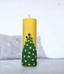 Svietidlá a sviečky - sviečka z včelieho vosku vianočný stromček 2 - 11368238_