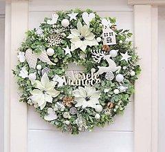 Dekorácie - Vianočný veniec s vianočnými ružami - 11367157_