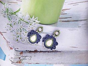 Náušnice - modré náušničky so zeleným štrasom - 11368247_