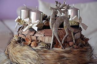 Dekorácie - Adventný veniec jelenček - 11367590_