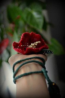 Náhrdelníky - Plstený náhrdelník/náramok - 11369083_