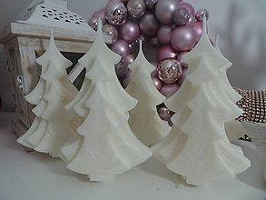 Svietidlá a sviečky - Palmová sviečka Vianočný strom (Červená) - 11366824_