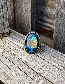 Prstene - Oválny labradorit - prsteň - 11367804_