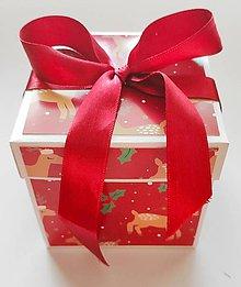 Nezaradené - Vianočná darčeková krabička - 11367483_