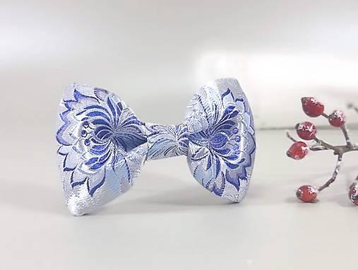 Pánsky motýlik - modrý folk brokát