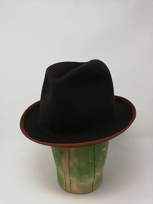 Pánsky tmavohnedý klobúk FRAME