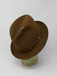 Čiapky - pánsky klobúk vyšívaný - 11374293_