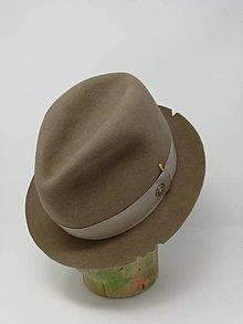 Čiapky - pánsky klobúk vyšívaný so zápalkou - 11374297_