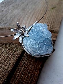 Náhrdelníky - Ľadový kvet / celestín - 11373059_