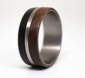 Prstene - Titanový prsteň & Eben & Orech - 11370546_