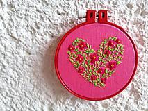 """Dekorácie - Vyšívaný obrázok """"Lúčne srdce"""" - 11373480_"""