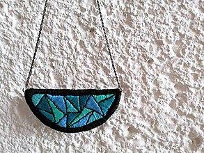 """Náhrdelníky - Vyšívaný náhrdelník """"Geomet"""" - 11374146_"""
