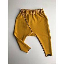 Nohavice - Detské tepláčiky slim fit okrová - 11373068_