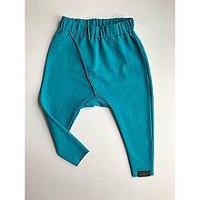 Nohavice - Detské tepláčiky slim fit tyrkys - 11373085_