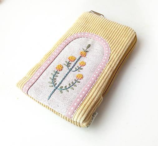 Vyšívaný obal na mobil Žltý kvet