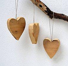 Dekorácie - Drevené ozdoby na stromček-Staré srdiečka - 11375621_