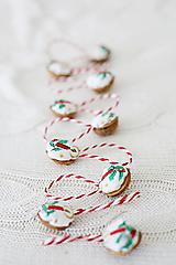 Dekorácie - Sada orieškov na vianočný stromček - 11375670_