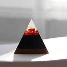 Dekorácie - Tajomná pyramída - 11376017_