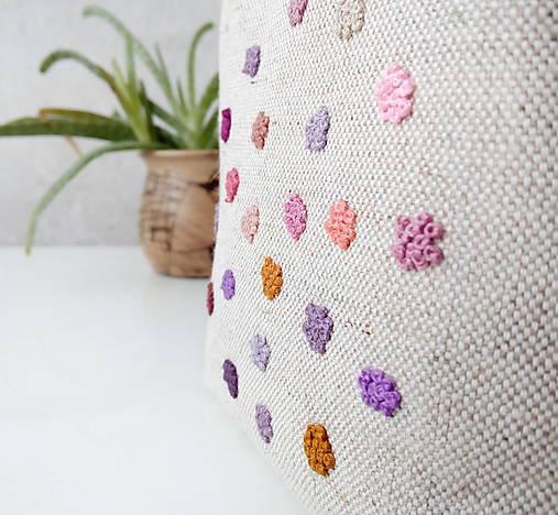 Vyšívaná taštička Bodky francúzske uzlíky fialová