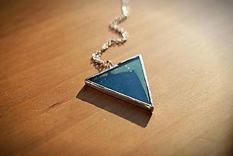 Náhrdelníky - Vitráž modrý trojuholník - 11377874_