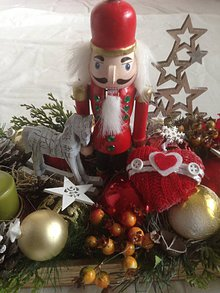 Dekorácie - Adventny vianočny svietnik Luskačik 60cm - 11374963_