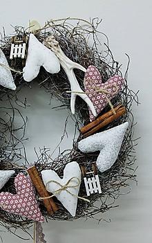 Dekorácie - veselý venček vianočný - 11377812_