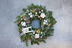 Dekorácie - Vianočný veniec na dvere z čečiny - 11381682_