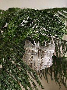 Dekorácie - Strieborné vianočné gule - 11380117_
