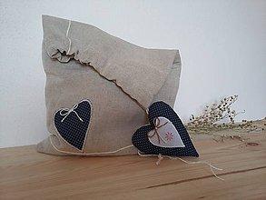 Úžitkový textil - Vrecúško so srdiečkom - na chlebík ľanové - 11379251_