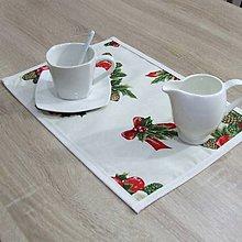 Úžitkový textil - NIKOLETA - Šišky a mašle na smotanovej - vianočné prestieranie 28x40 - 11378542_